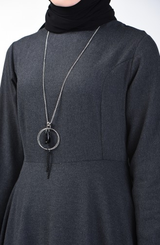 Kleid mit Halskette 5132-01 Anthrazit 5132-01