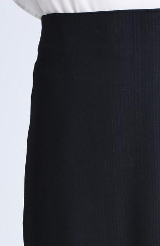 تنورة لون اسود مخططة بقلم الرصاص  2110-01
