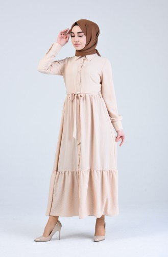 Geknöfptes Kleid mit Band 0912-06 Beige 0912-06