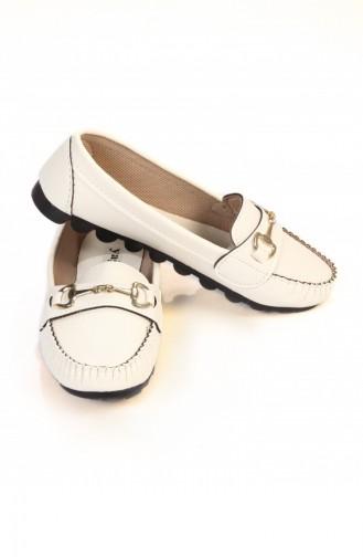 White Woman Flat Shoe 06