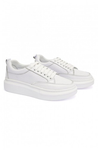 White Sport Shoes 5008