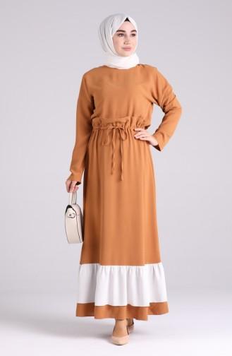 فستان أخضر تبغ 2002-01