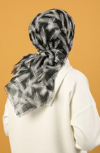 Siyah Beyaz Desenli Flamlı Eşarp 11536-10 Siyah Beyaz 11536-10