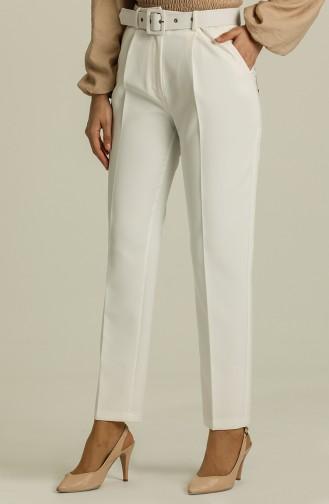 White Pants 1010-02