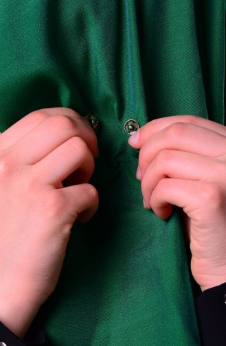 Emerald Snap Fastener Shawl 1-01
