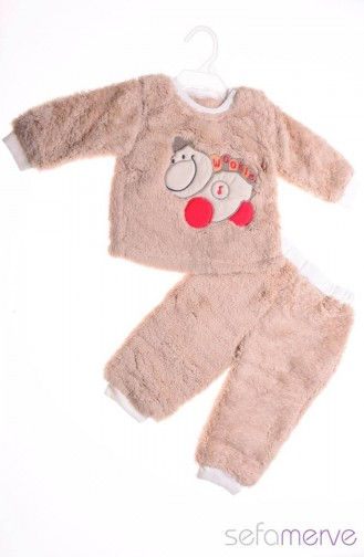 Wrap your little one in custom Brown baby clothes. Cozy comfort at Zazzle! Personalized baby clothes for your bundle of joy. Choose from huge ranges of designs today!